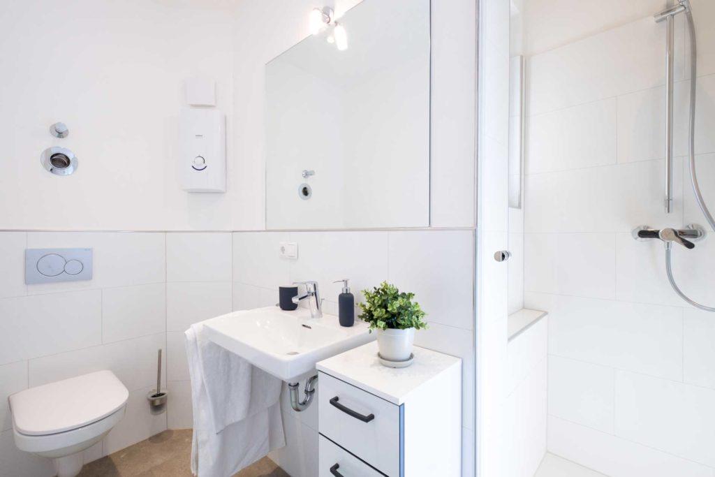 stay4business | Wohnen auf Zeit | voll moeblierte Wohnung in Mannheim | Badezimmer