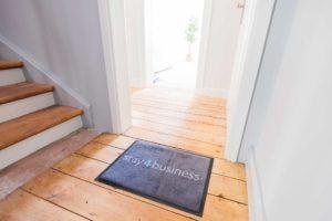 stay4business | Wohnen auf Zeit | voll moeblierte Wohnung in Mannheim | Eingang