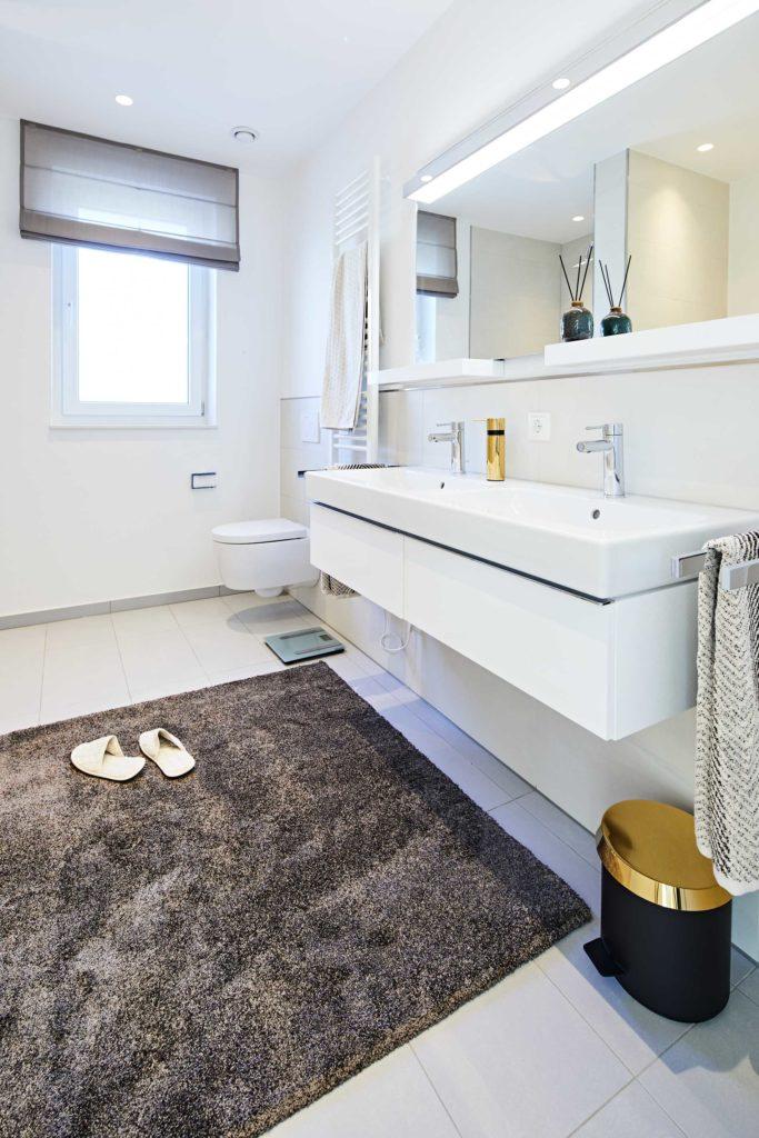stay4business   Wohnen auf Zeit   voll moebliertes Haus in Nussloch   Badezimmer